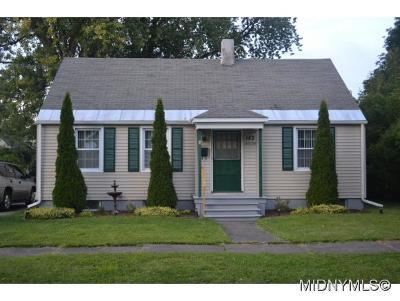 Utica Single Family Home For Sale: 142 Melrose Ave S.