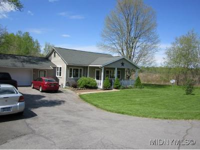 Rome Single Family Home For Sale: 7061 Nys State Route 46