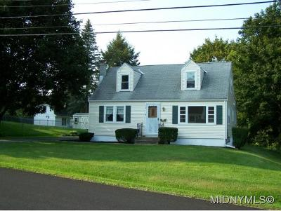 New Hartford Single Family Home For Sale: 18 Wills Dr