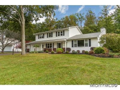 Whitesboro Single Family Home For Sale: 18 Chateau Drive