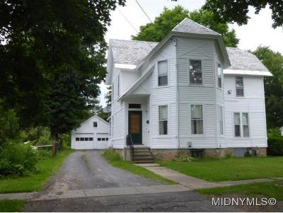 Single Family Home For Sale: 158 W. Bacon St.