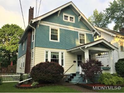 New Hartford Single Family Home For Sale: 8 Huntington Place