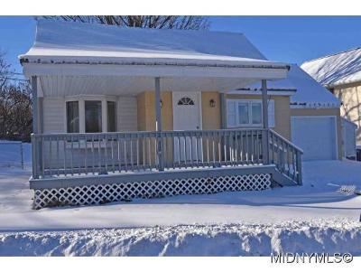 SAUQUOIT Single Family Home For Sale: 10 Gridley Place