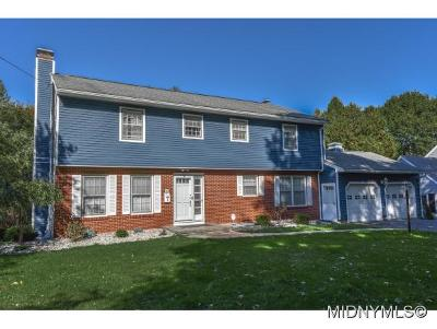 New Hartford Single Family Home For Sale: 8 Hawthorne Road
