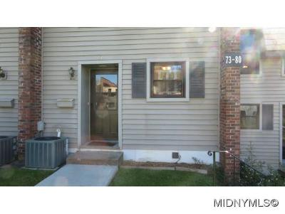 New Hartford Single Family Home For Sale: 77 Chestnut Hills