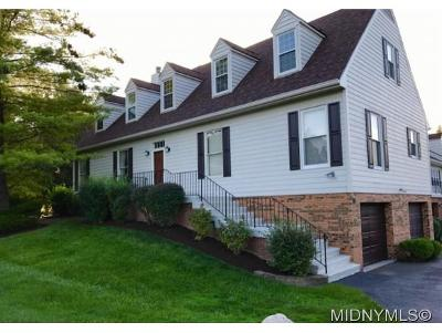 New Hartford Single Family Home For Sale: 1 Estates Drive