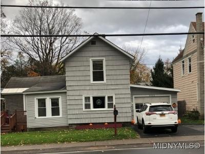 Chadwicks Single Family Home For Sale: 3522 Oneida
