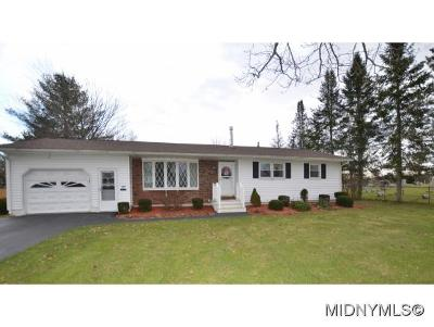 Oriskany NY Single Family Home For Sale: $179,000