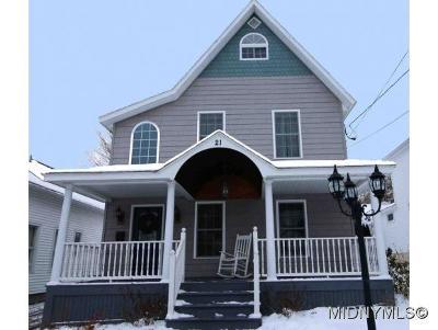 New Hartford Single Family Home For Sale: 21 Sanger Ave
