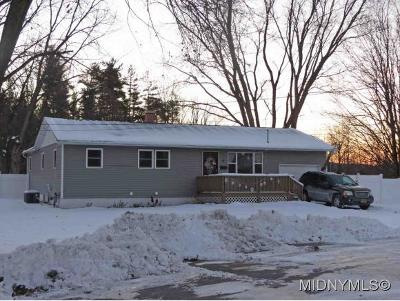Oneida County Single Family Home For Sale: 6 Dominica Court