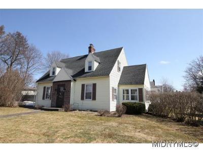 Oneida County Single Family Home For Sale: 125 Farmington Road