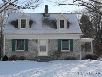 New Hartford NY Single Family Home For Sale: $153,900