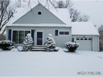 New Hartford Single Family Home For Sale: 204 Fairway Drive