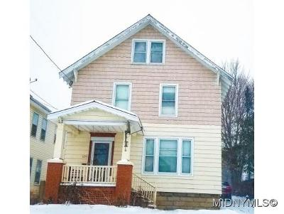 Utica Single Family Home For Sale: 1155 Leeds St