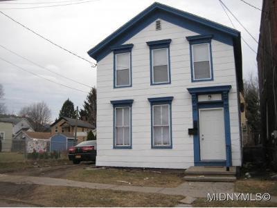 Utica Multi Family Home For Sale: 613 Henry St