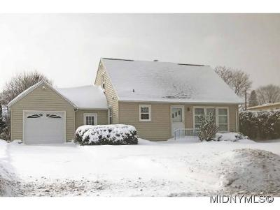 Oneida County Single Family Home For Sale: 914 Armory Drive