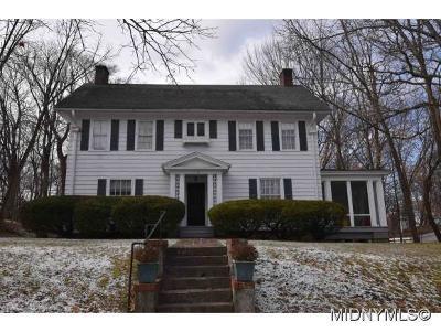 Utica Single Family Home For Sale: 110 Proctor Boulevard
