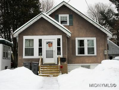 ROME Single Family Home For Sale: 826 Croton