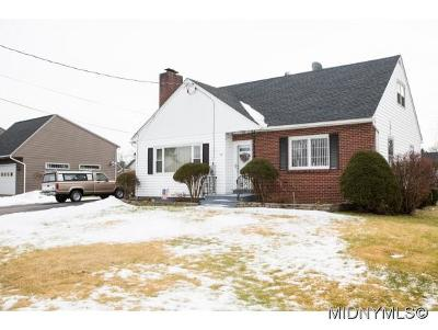 New York Mills Single Family Home For Sale: 13 Crescent Drive