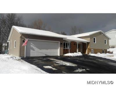 Utica Single Family Home For Sale: 5405 Summerset Way