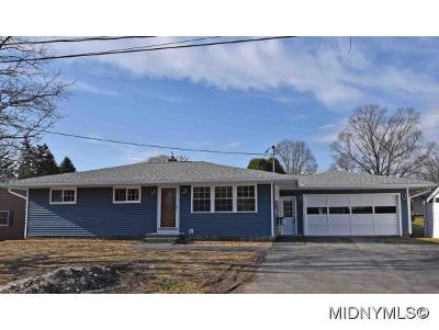 Frankfort Single Family Home For Sale: 408 Fourth Ave Ext