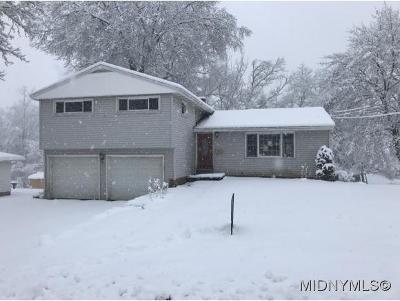 Whitesboro Single Family Home For Sale: 16 Norris