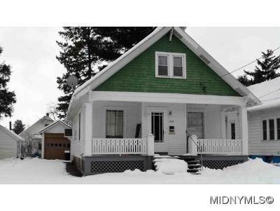Utica Single Family Home For Sale: 1429 Fincke Ave