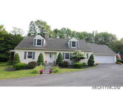 NEW HARTFORD Single Family Home For Sale: 13 Slaytonbush Ln
