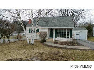 Oneida County Single Family Home For Sale: 818 Utica Road