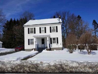 New Hartford Single Family Home For Sale: 12 Merritt Place