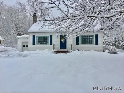 New Hartford NY Single Family Home For Sale: $220,000