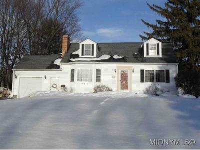 New Hartford Single Family Home For Sale: 38 Benton Circle