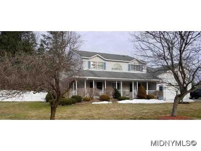 Marcy Single Family Home For Sale: 6375 Willow Lane