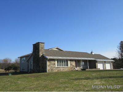 Oneida County Single Family Home For Sale: 8761 Thomas Rd