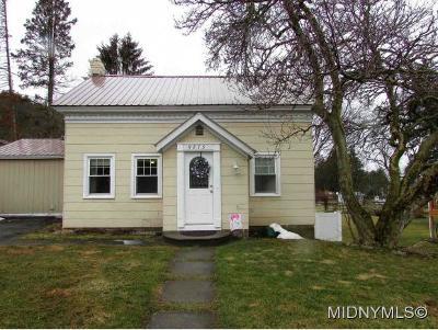 New Hartford Single Family Home For Sale: 9275 Grange Hill Road