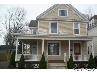 ROME Single Family Home For Sale: 403 W. Bloomfield St.