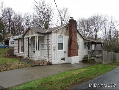 Clinton Single Family Home For Sale: 34 Mulberry