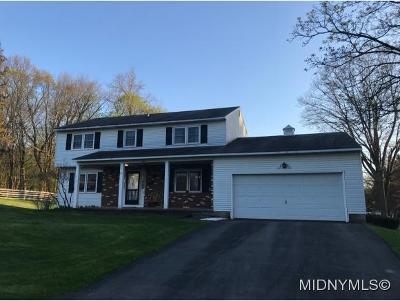 Clinton Single Family Home For Sale: 15 Elliott Place