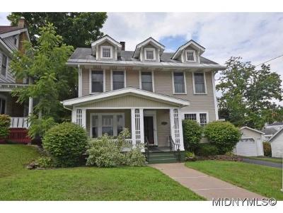 Utica Single Family Home For Sale: 4 Beverly Place