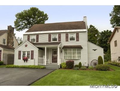 Utica Single Family Home For Sale: 134 Kensington Dr