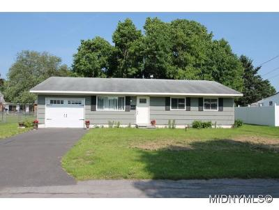 Oneida County Single Family Home For Sale: 15 Shelly Place