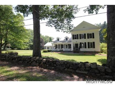 Barneveld Single Family Home For Sale: 396 Dover Road