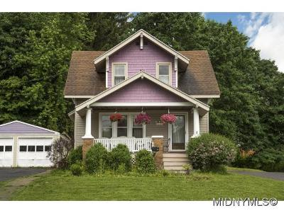 New Hartford Single Family Home For Sale: 104 Oxford Rd