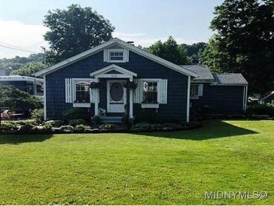 Oriskany Single Family Home For Sale: 135 Elm Street