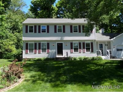 New Hartford Single Family Home For Sale: 3 Brookside Terrace