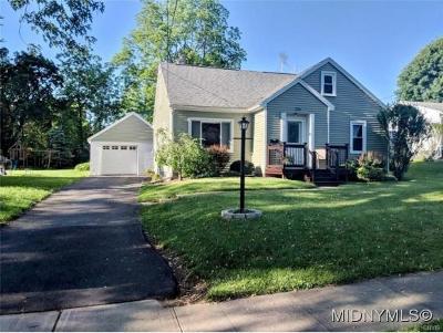Sherrill Single Family Home For Sale: 224 E. Noyes Boulevard