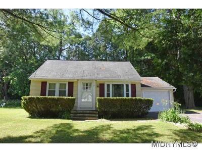 New Hartford Single Family Home For Sale: 11 Sherrill Lane