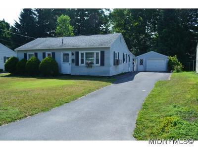 Whitesboro Single Family Home For Sale: 54 Pinecrest Road
