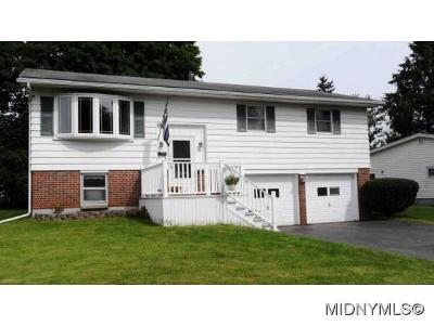 New York Mills Single Family Home For Sale: 35 Royal Brook Lane