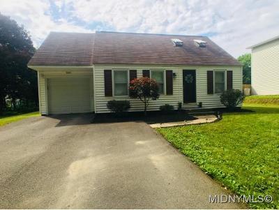 Deerfield Single Family Home For Sale: 5565 Walker Road